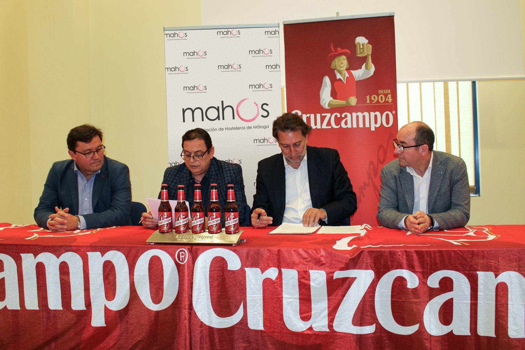LA CÁTEDRA DE MAHOS Y LA FUNDACIÓN CRUZCAMPO FIRMAN UN ACUERDO PARA IMPULSAR EL SECTOR HOSTELERO MALAGUEÑO