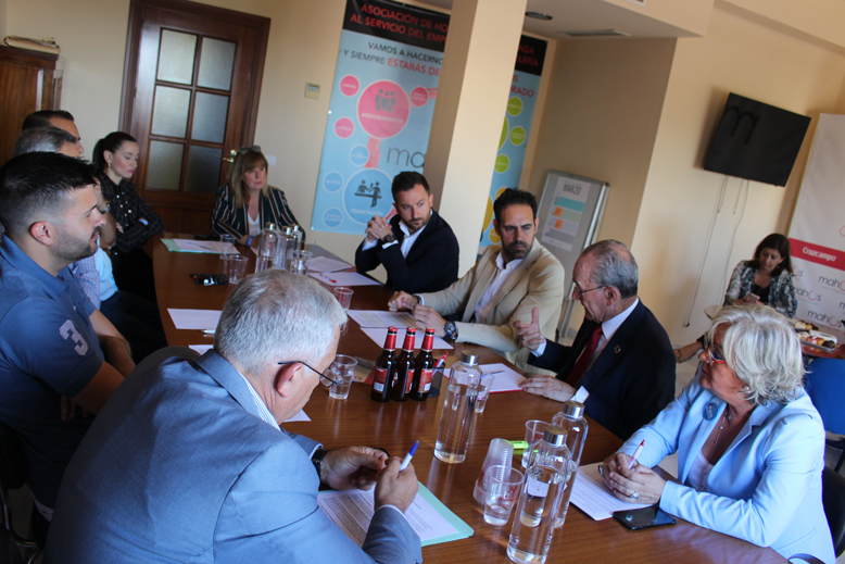 Mahos y el Ayuntamiento de Málaga, Alcalde Paco de la Torre, se reúnen para hablar sobre el modelo de ciudad de Málaga.