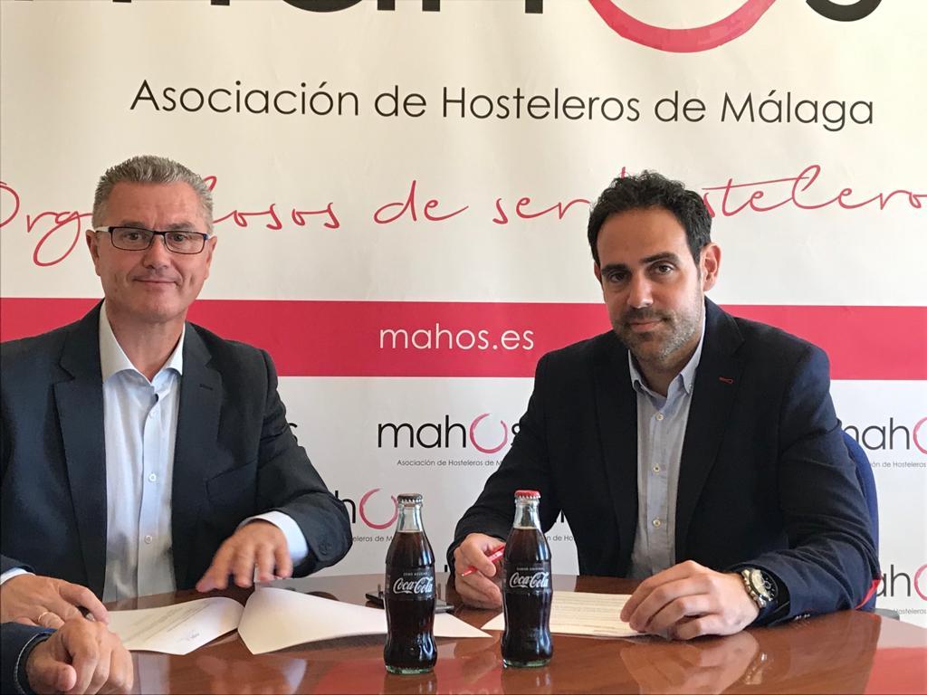 Firma Acuerdo entre Mahos y Coca Cola