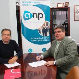 acuerdo-colaboracion-mahos-anp-riesgos-laborales-firma3